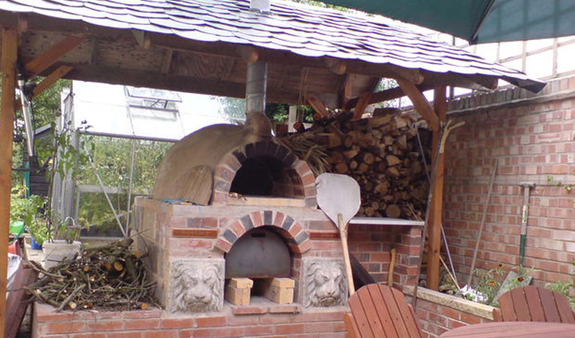 Pizza-Oven-cob-and-brick