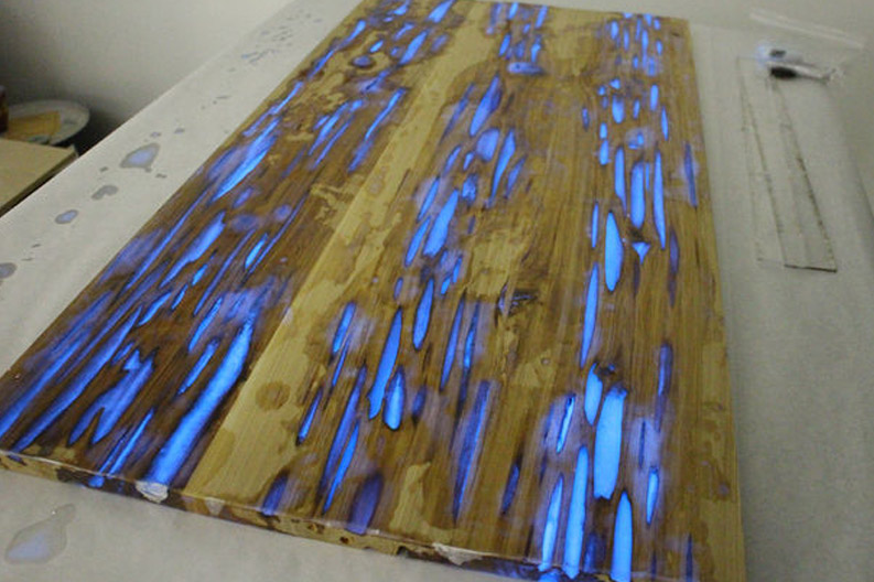 Un-sanded glow table